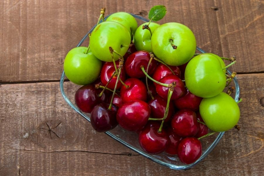 Need a Snack? Consider Sour Fruits Which can be Healthy for You